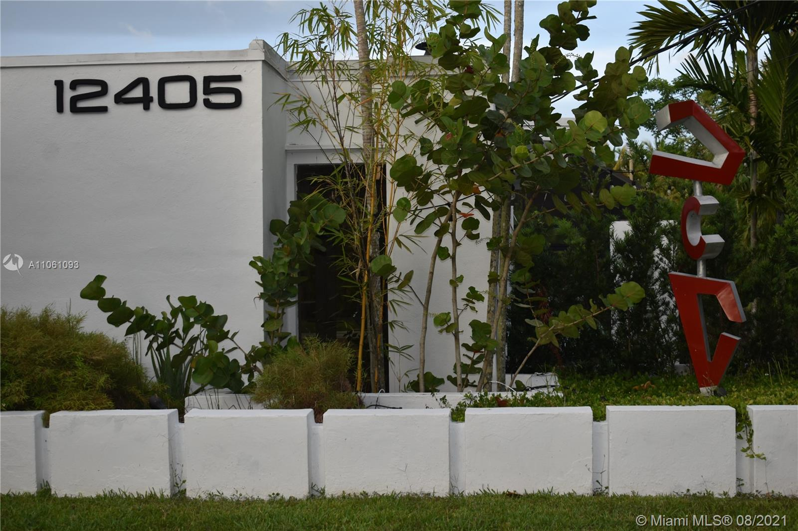 12405 SW 64th Ave  For Sale A11061093, FL