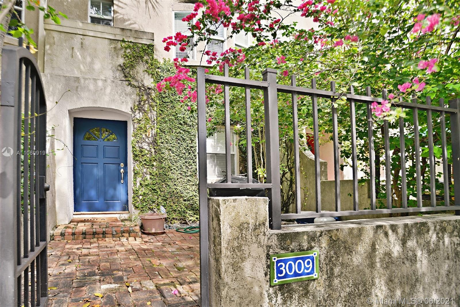 This gated tri-level French Village charmer features 2 bedrooms plus den/office and 2.5 baths. The unit has tile flooring throughout with wood floors in bedrooms. Enjoy a large remodeled eat-in kitchen with stainless steel appliances with plenty of room to cook and entertain. The bedrooms are spacious with vaulted ceilings and tons of storage. The unit has great amount of natural light and a one-car garage.