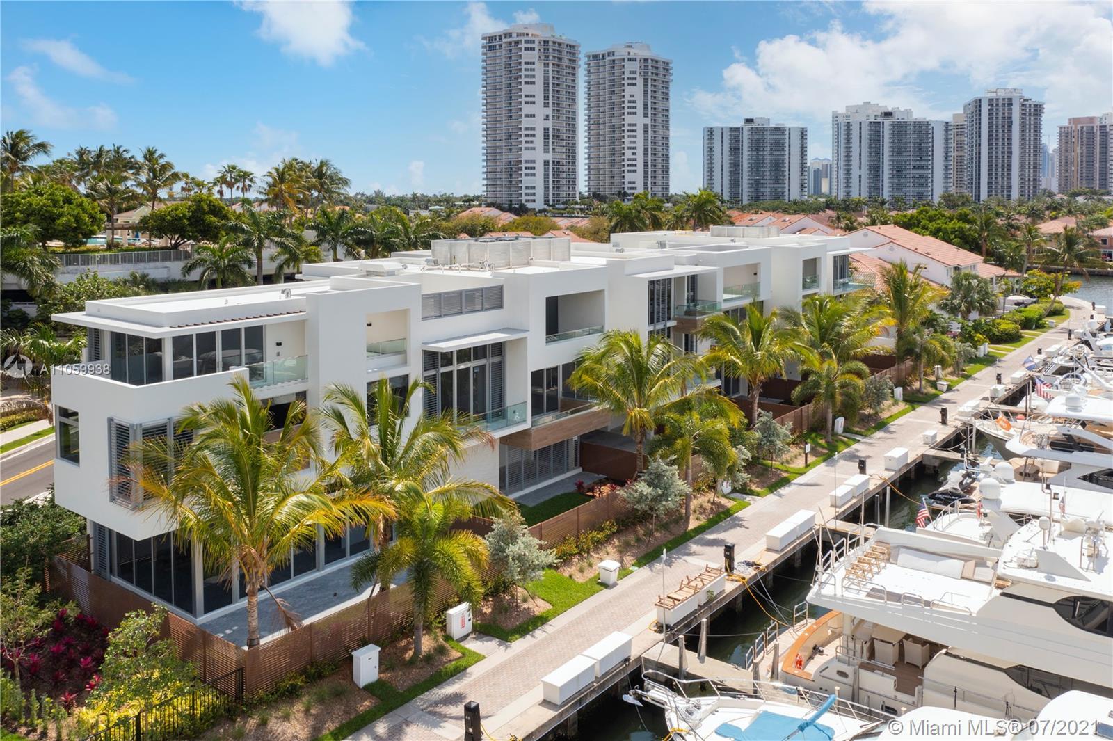 3750  Yacht Club Dr #TH4 For Sale A11059938, FL