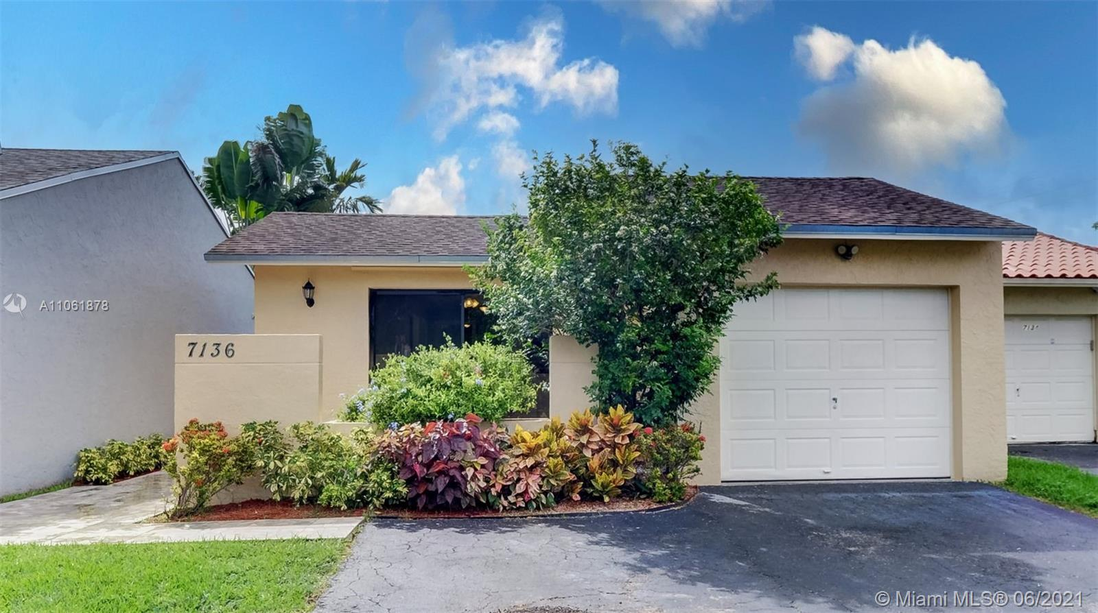 7136 SW 103rd Pl  For Sale A11061878, FL