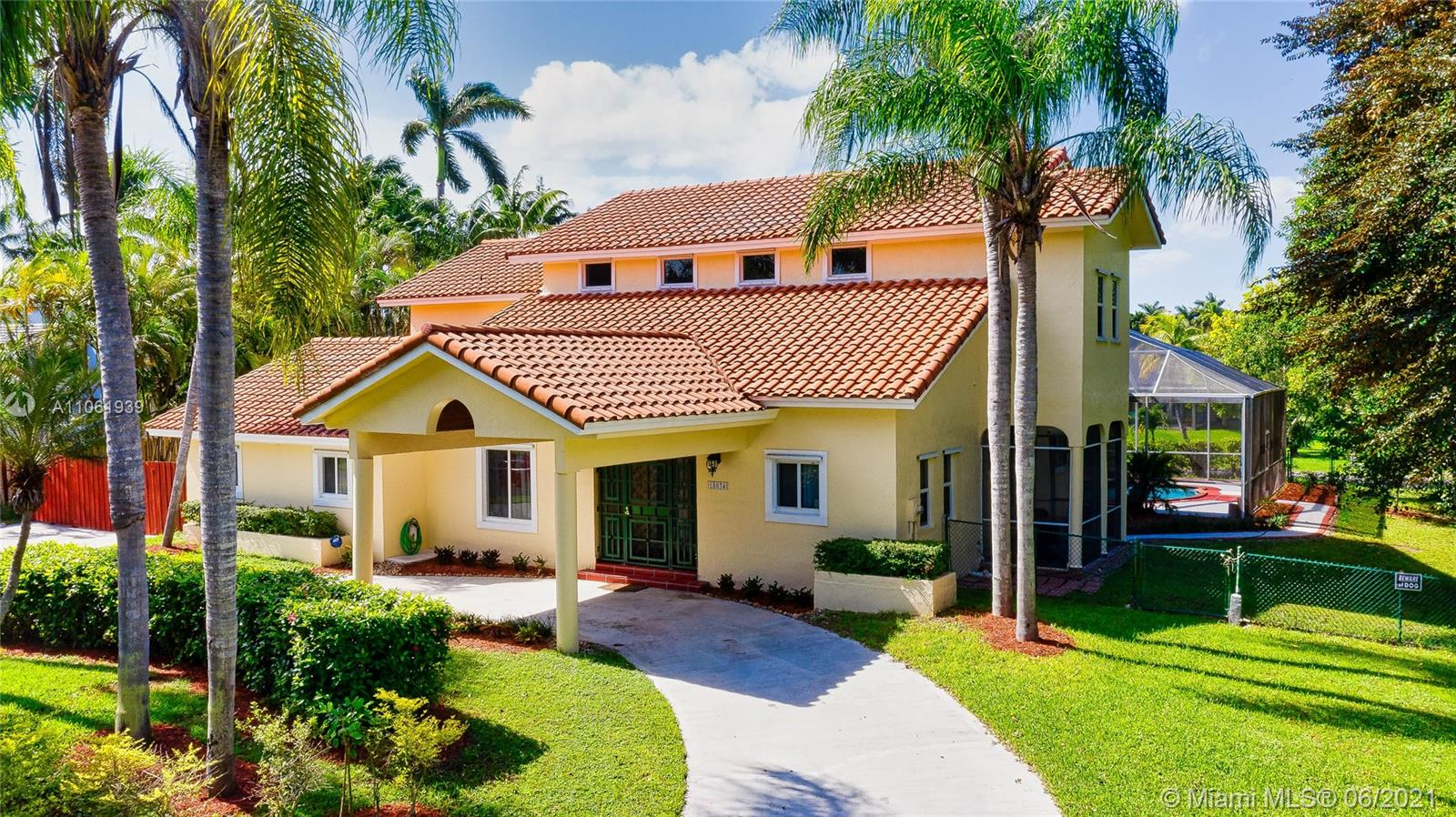 18034 SW 83rd Ct  For Sale A11061939, FL