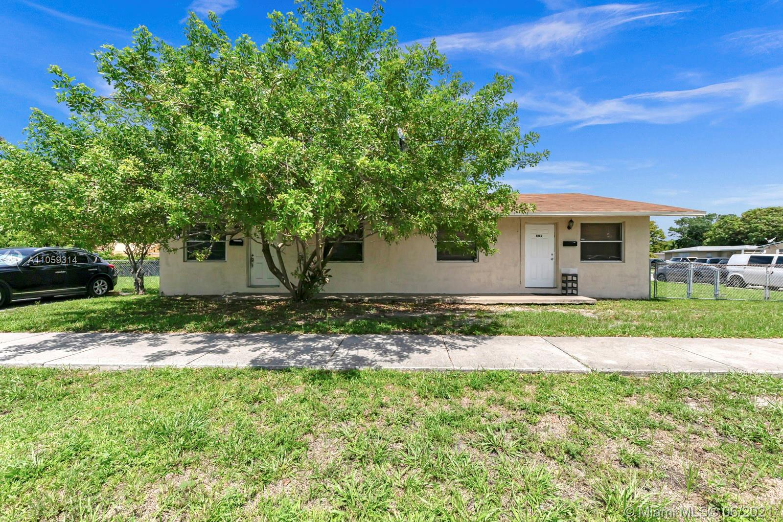 802 NW 10th St  For Sale A11059314, FL