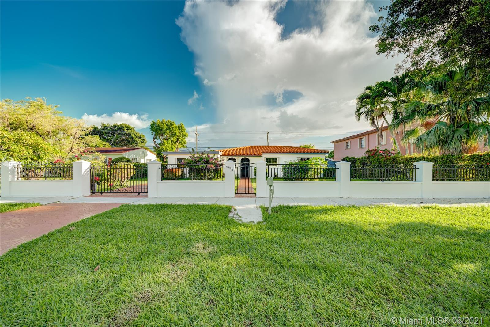 7395 SW 39th St  For Sale A11062363, FL