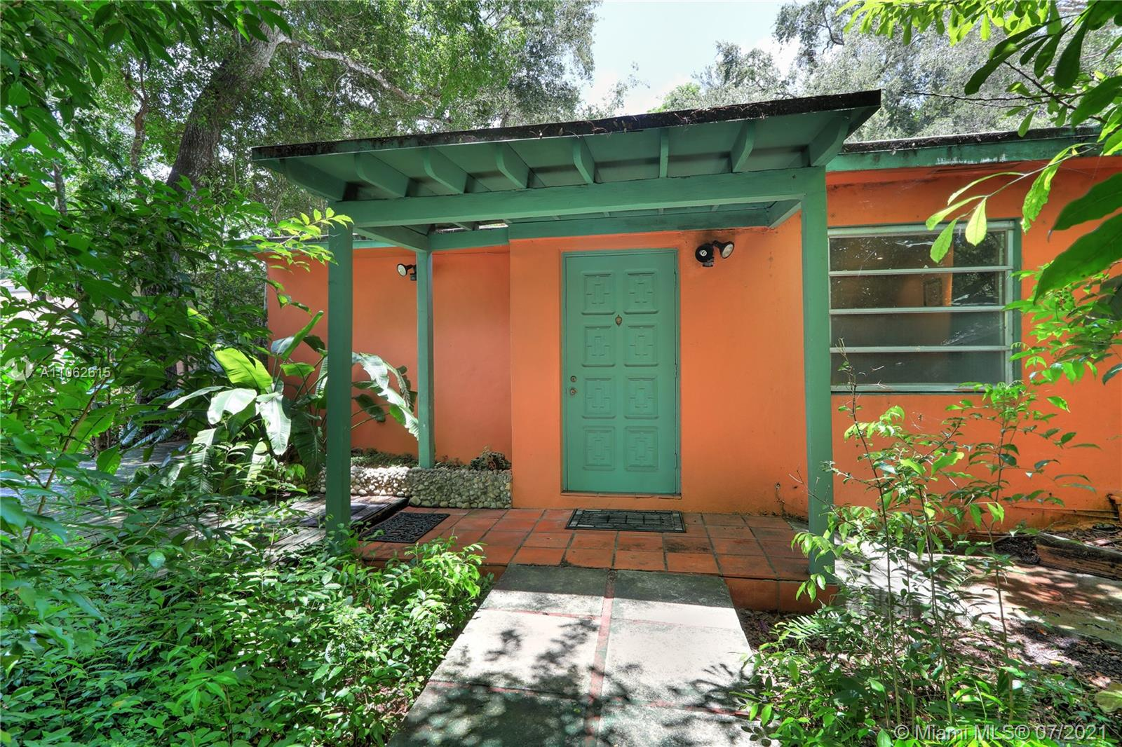 6747 SW 77th Ter  For Sale A11062615, FL
