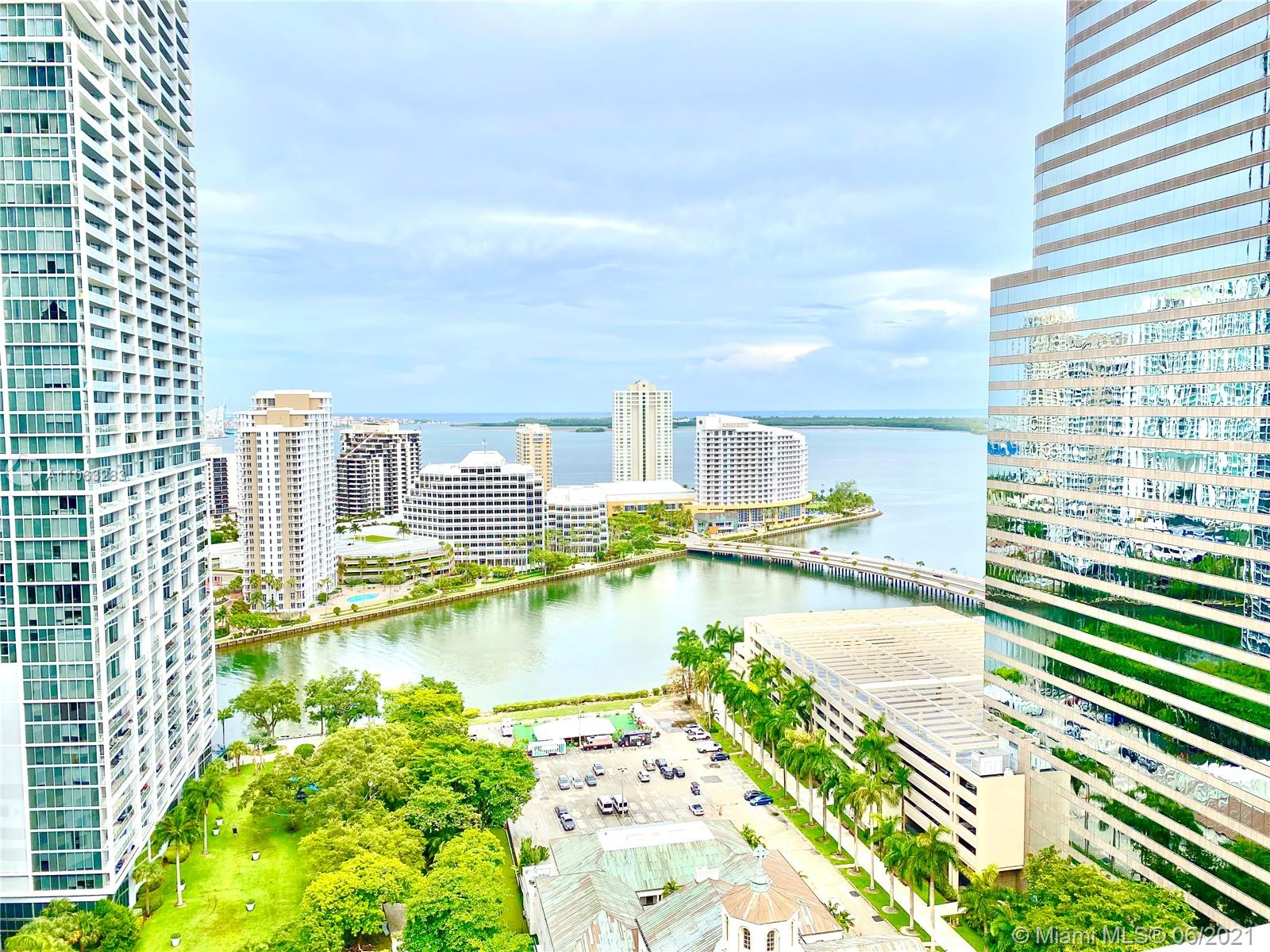 CORNER UNIT on the best line of 500 Brickell EAST Tower overlooking the bay and Brickell Key. Centrally located in Brickell, walking distance to the best restaurants, bars and Brickell City Center. Dont miss this opportunity to see this unit with custom doors, marble floors and custom cabinetry!