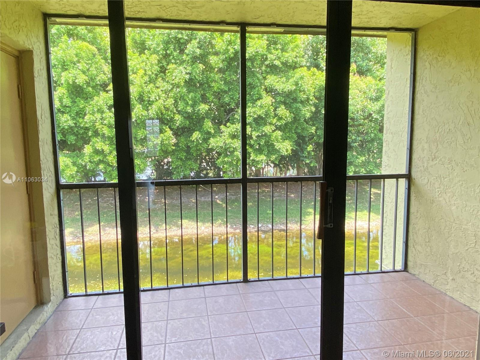 321  Lakeview Drive #202 For Sale A11063034, FL
