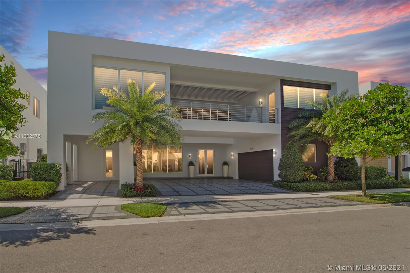 Photo of 10242 NW 75th Ter, Doral, FL 33178
