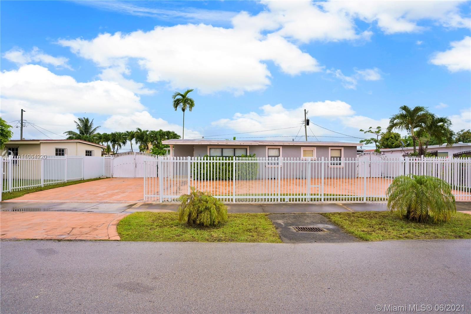 5101 SW 116th Ave  For Sale A11064220, FL