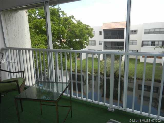 100  Lakeview Dr #305 For Sale A11064640, FL