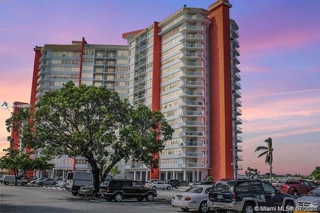 1351 NE Miami Gardens Dr #423E For Sale A11063654, FL