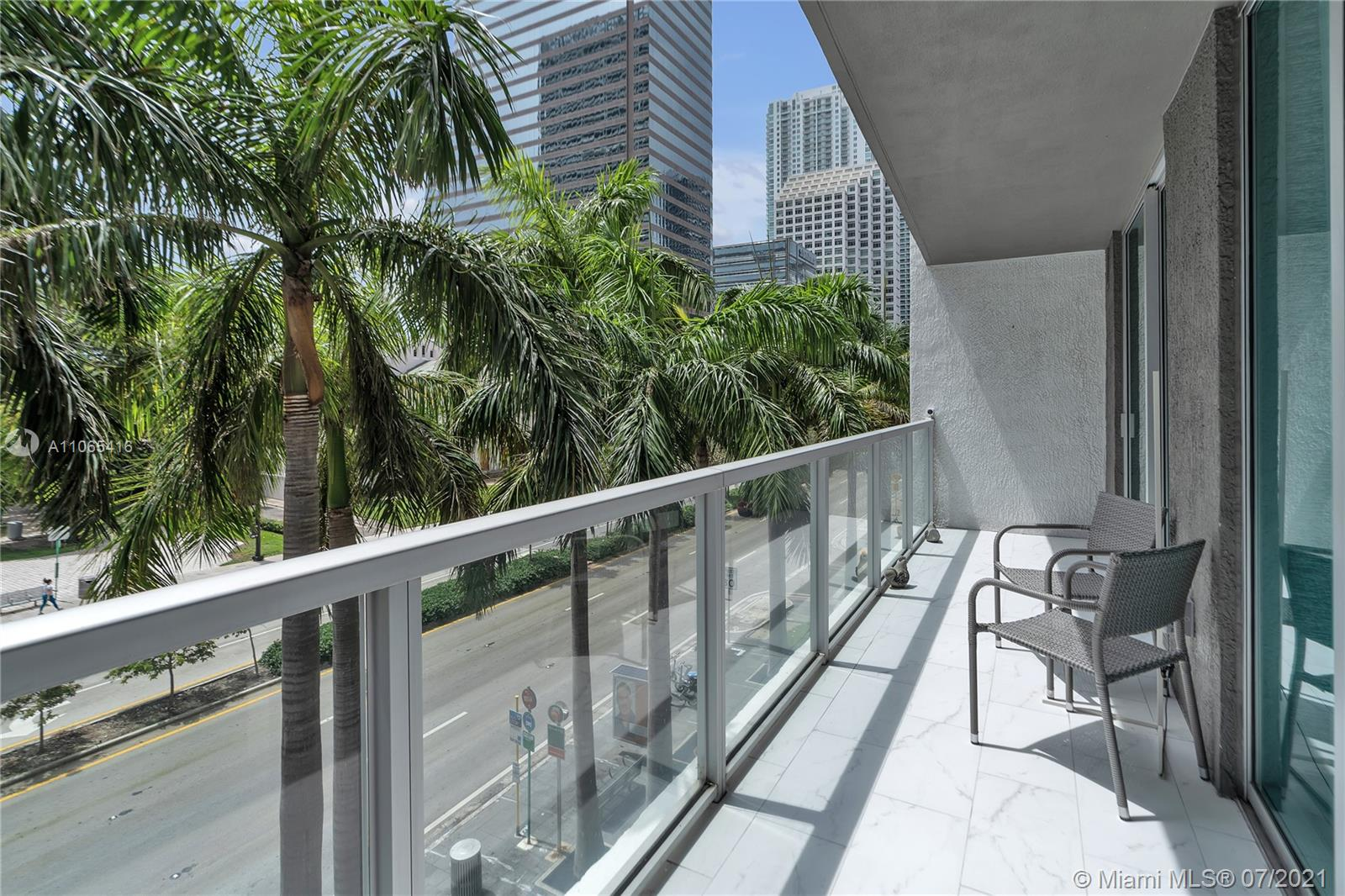 Perfect home for Brickell's executive's! Stunning beautifully decorated and completely remolded condo for rent in the heart of Brickell, all details in this property have been updated from bathrooms, kitchen, floors, balcony, lamps, appliances, etc..