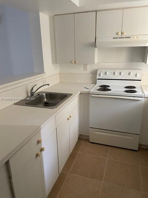Comfortable 1 bedroom apartment with new paint, appliances in excellent condition and central AC. Bring all offers. Section 8 is welcome. Check Attachments for The Condo Application.