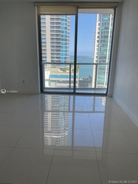 Amazing condo right on Brickell avenue. Nice views of city and bay. 2 bedrooms 2 baths with white porcelain floors. European kitchen with stainless steel appliances.