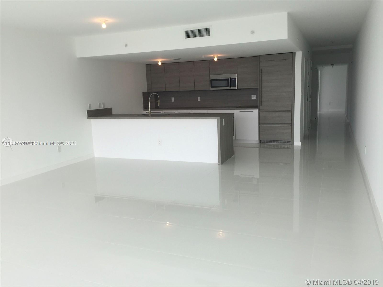 Come see this luxurious 3/2.5 unit right on the bay! Fantastic location just minutes from entertainment, beaches, restaurants, countless shopping spots and the Aventura Mall. Unit features Italian cabinetry, quality stainless steel appliances, porcelain tile flooring throughout as well as custom made closets. 400 Sunny is a breathtaking condominium boasting resort style amenities including a complete spa with steam room + sauna, infinity pool overlooking the bay with cabanas, jacuzzis, tennis courts and a fully equipped gym. This unit also INCLUDES A DRY DOCK SLIP DD-320 (up to 35 feet) right at the 400 Sunny dock. Don't miss out on this unique bundle!