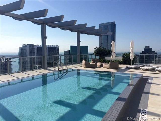 Great 2 Bedrooms and 2 Bathrooms Luxury Condo. Great location in Brickell, minutes away from Brickell City Centre, Mary Brickell, and much more. The building offers incredible amenities, which includes rooftop pool and sundeck on 42nd floor, state of the art fitness center, club room with bar and lounge, billiards table, catering kitchen, and multimedia facilities, steam room and sauna, theater with state of the art equipment, concierge and security, and valet parking.