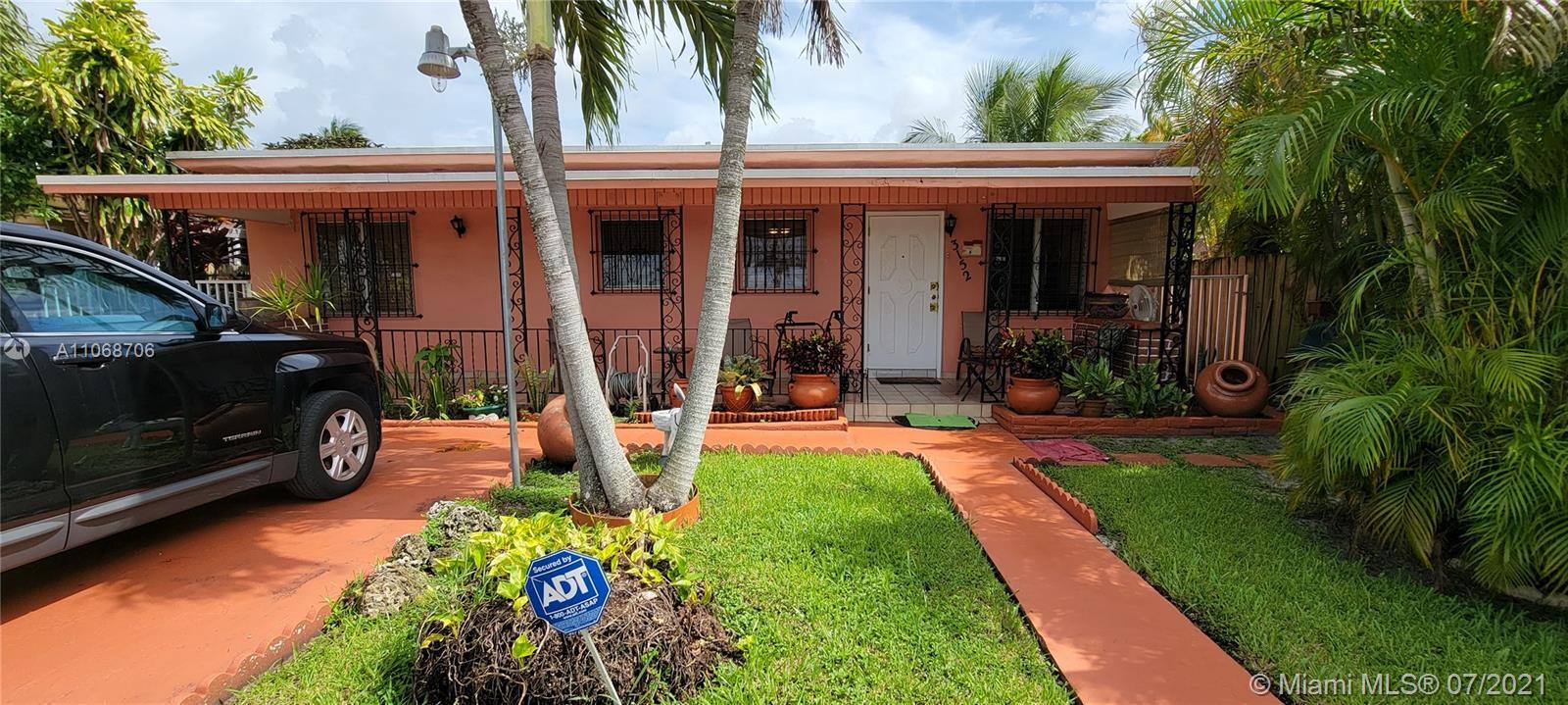 3152 35th St, Miami, Florida 33142