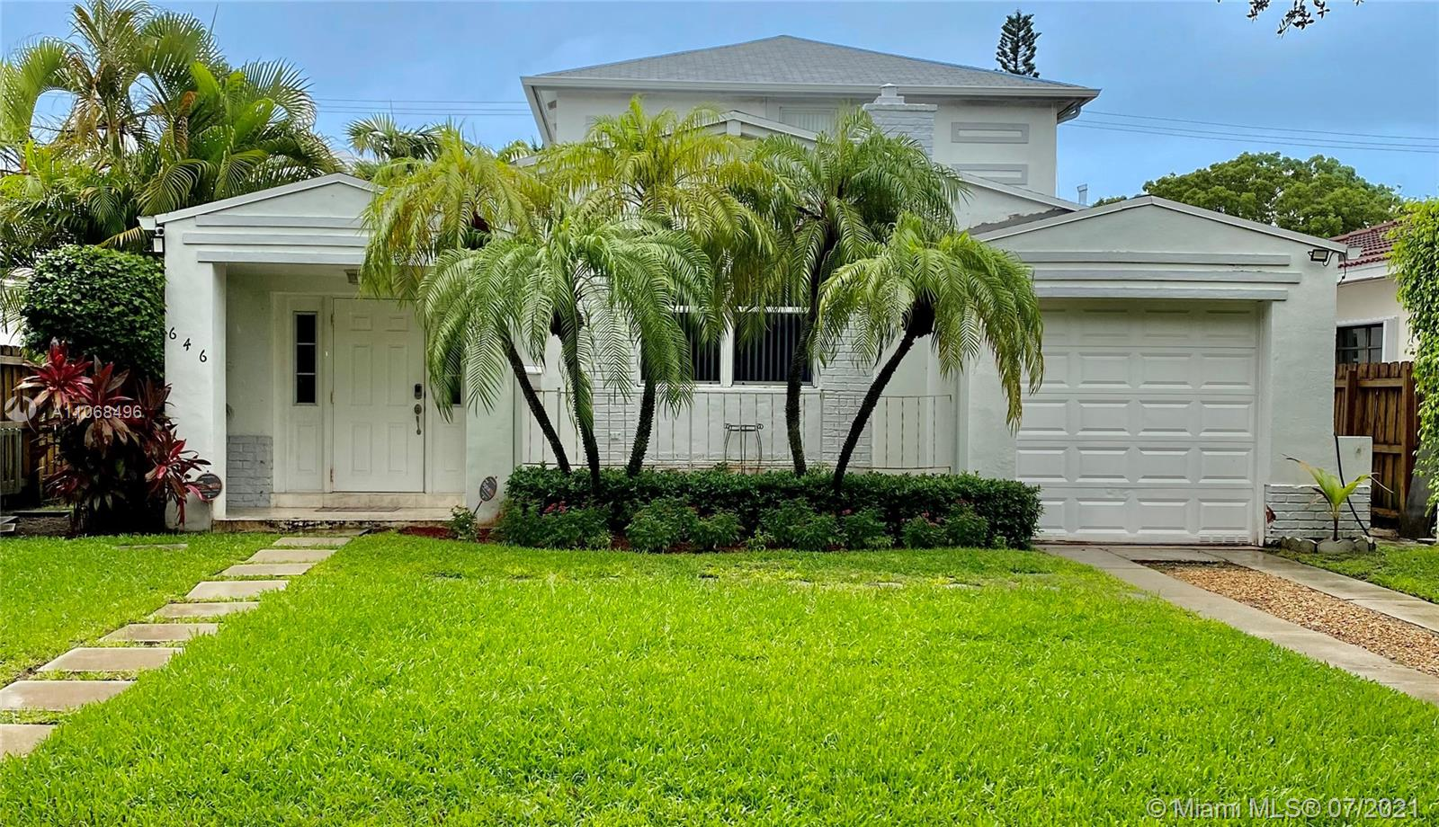 646 W 51st St  For Sale A11068496, FL