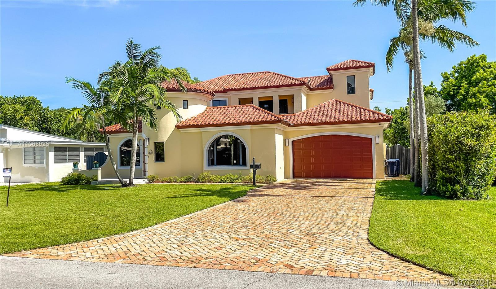 650  Raven Ave  For Sale A11068926, FL