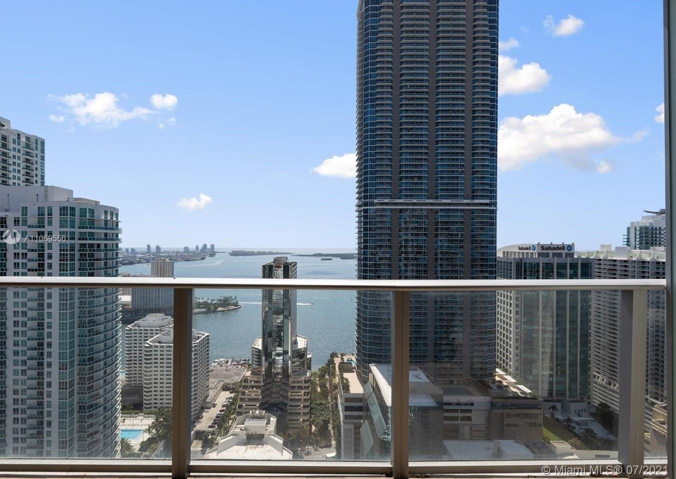 Incredible unit at 35th floor with amazing view. Unit with DEN and Private elevator and more. For showing send message listing agent.