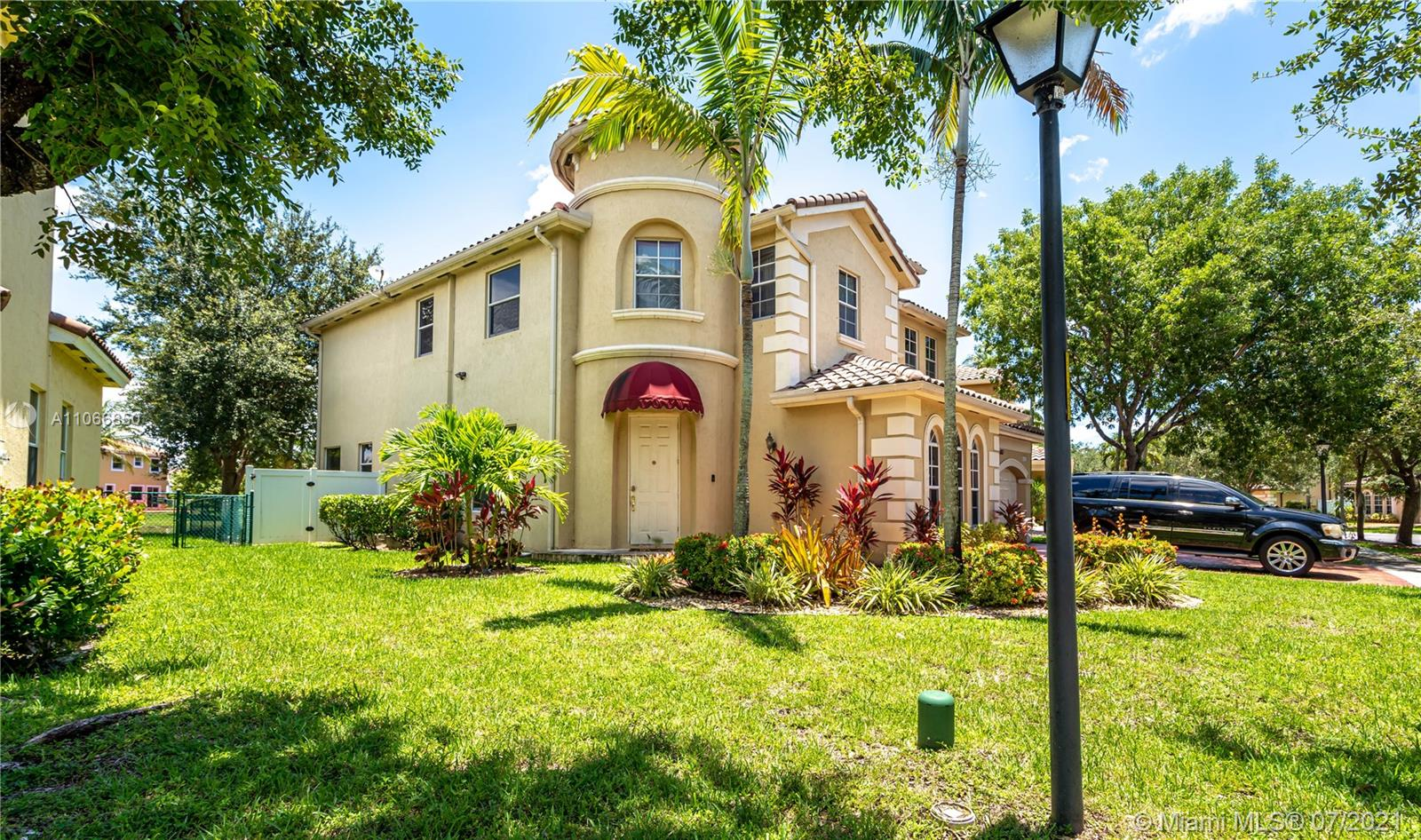 14123 SW 53rd St  For Sale A11066850, FL