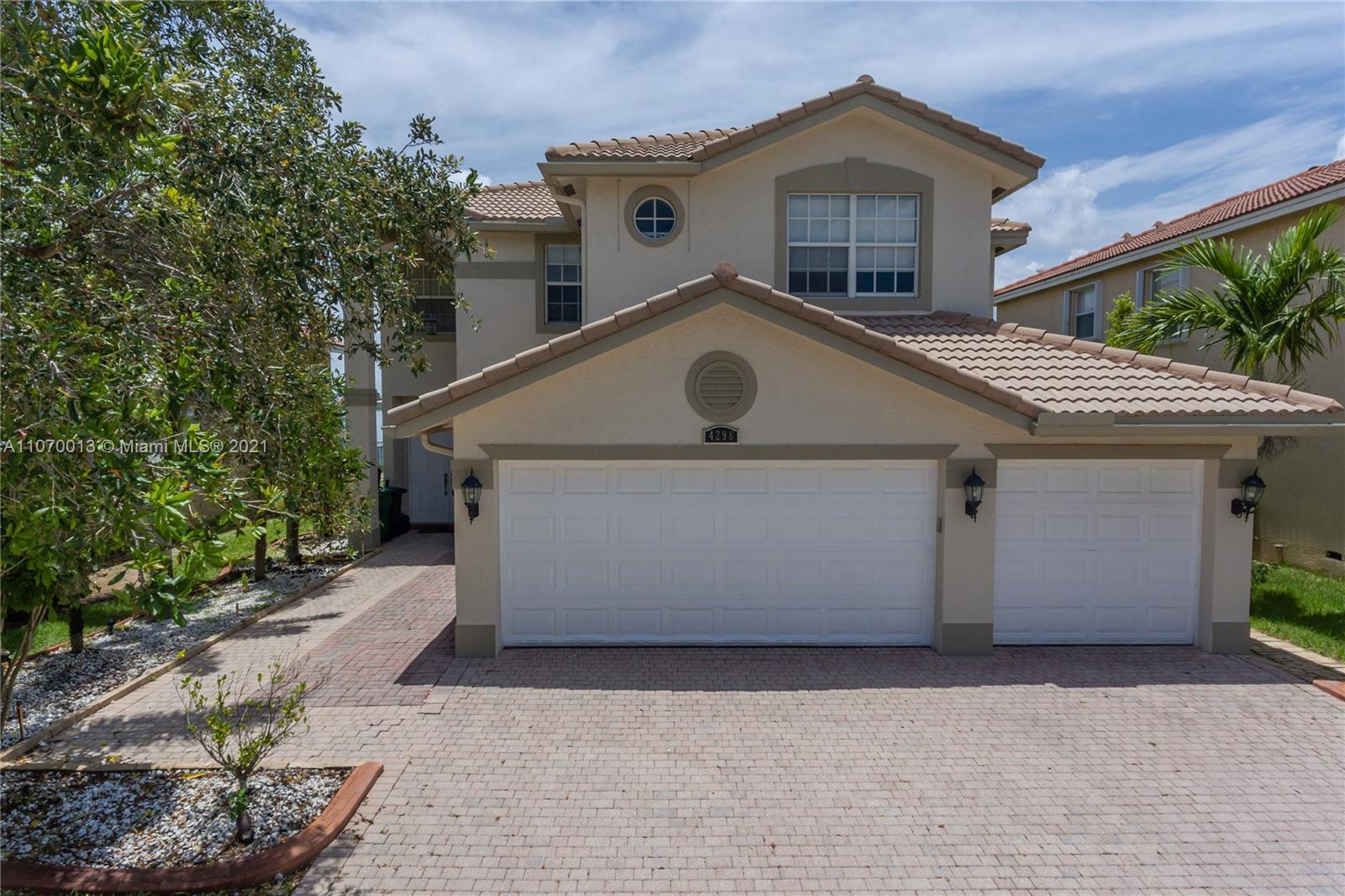 4296 SW 179th Way  For Sale A11070013, FL