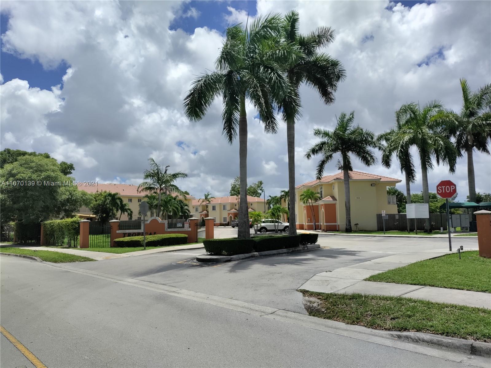 7160 174th Ter Unit 202, Hialeah, Florida 33015