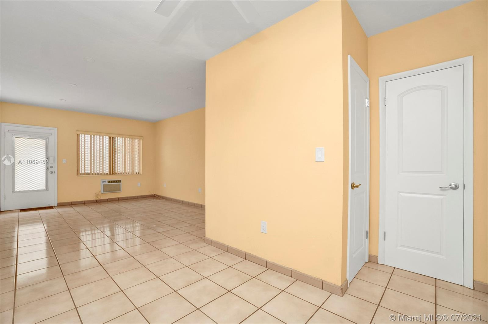 644  Meridian Ave #8 For Sale A11069452, FL