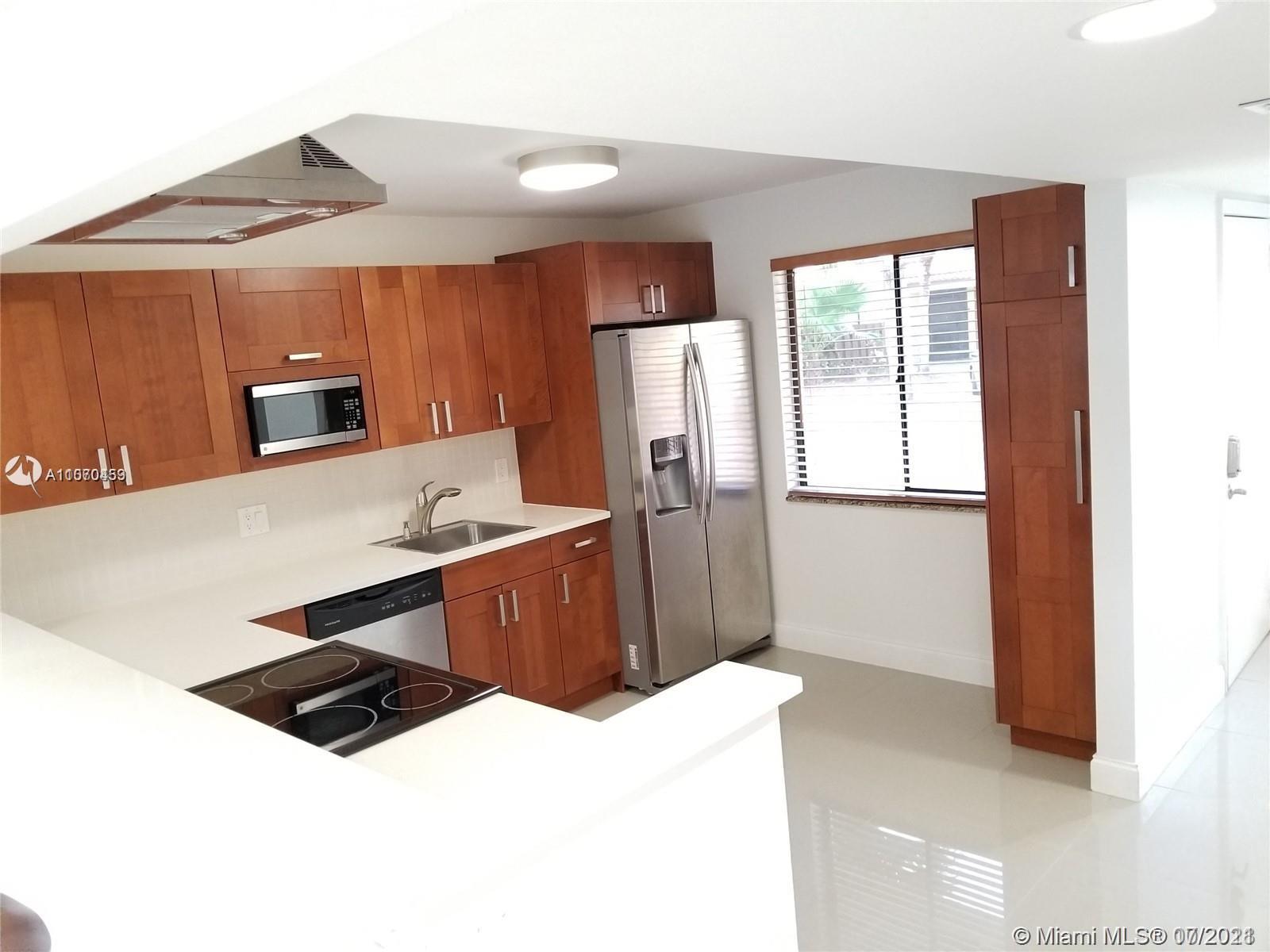 16254  Laurel Drive #102 For Sale A11070459, FL