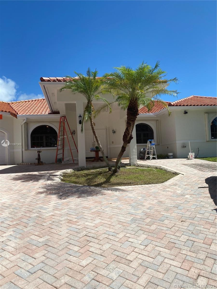 8285 SW 174th Ter  For Sale A11067363, FL