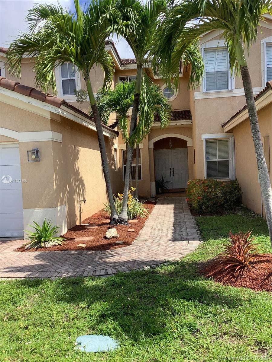 Lovely Town House extremely well maintained with 4 bedrooms and 3 bathrooms in a quiet and secluded neighborhood of West Kendall. Two car garage and private enclosed patio. Enjoy the entrance vaulted ceilings that lead to the living room and the almost 3000 SQFT of total area.  Seller very motivated.  Closing must be on or before September 3rd. All offers will be considered.