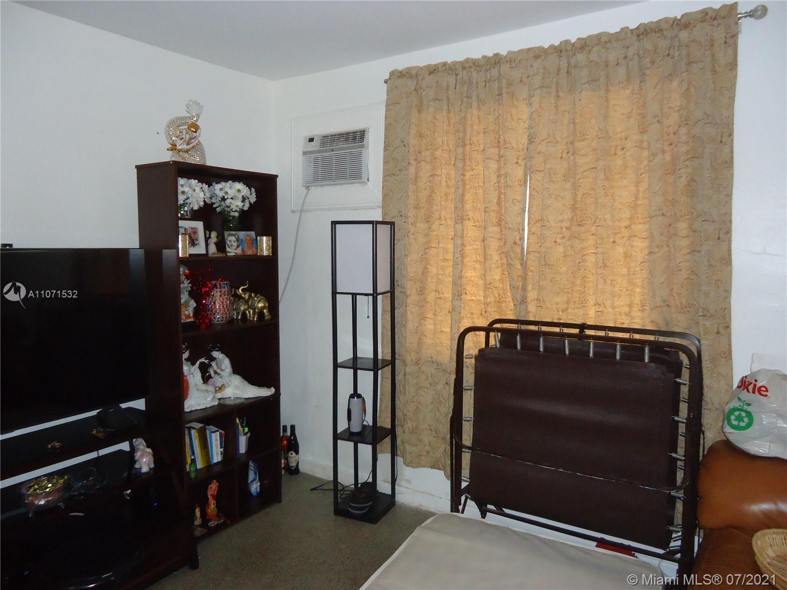 208 SE 4th St  For Sale A11071532, FL