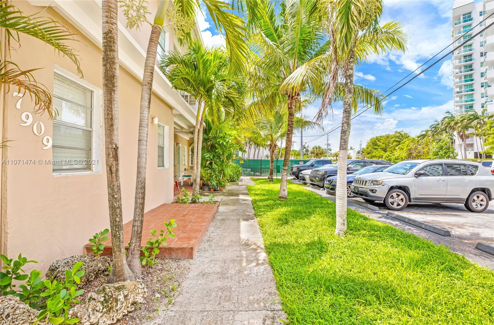7909  East Dr #112 For Sale A11071474, FL