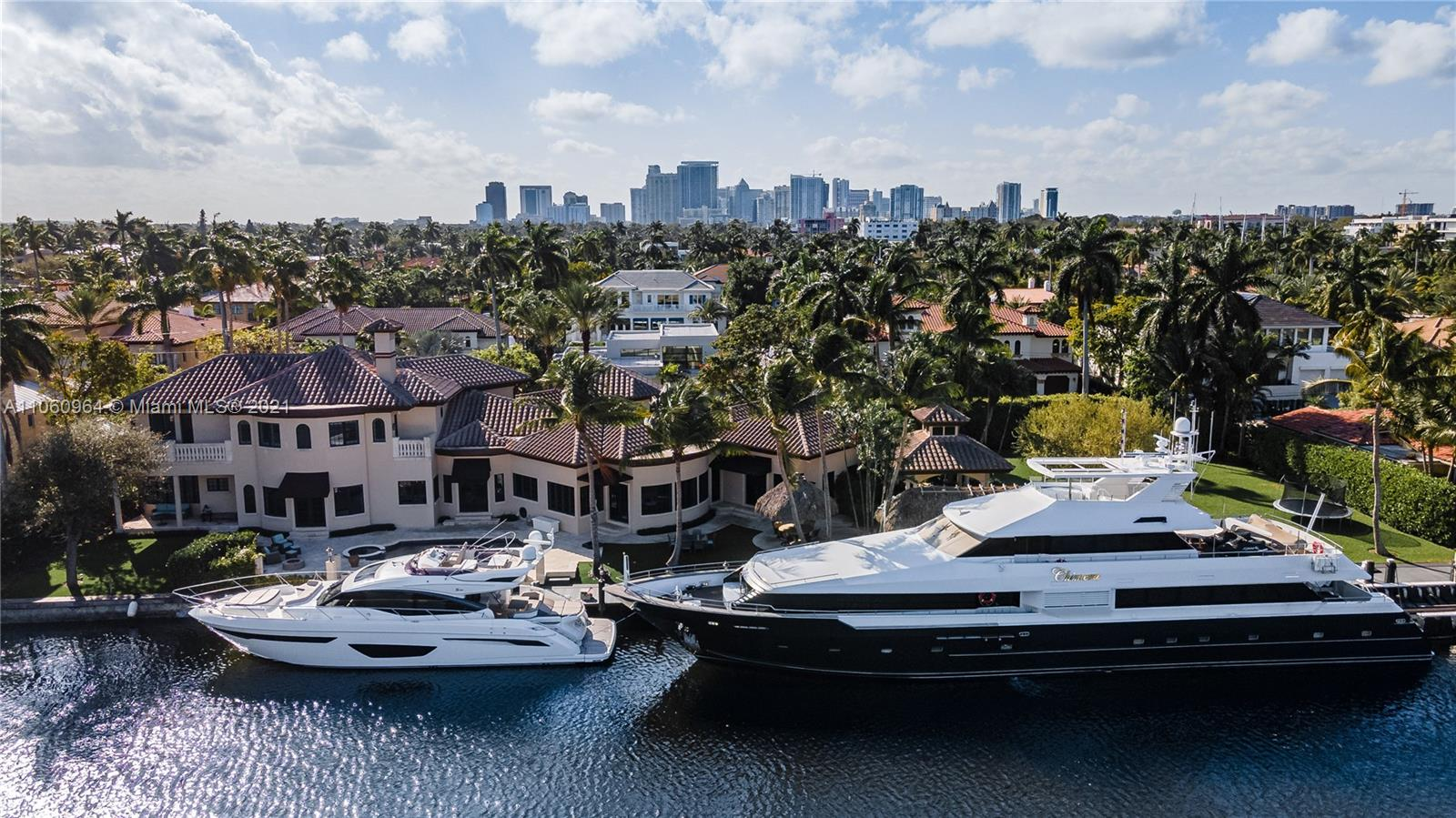 BEAUTIFUL 275' WATERFRONT HOME ON A 33,000 SQ FT LOT, FEATURING EXPANSIVE WATERWAY VIEWS IN THE MIDDLE OF LAS OLAS ISLES. SPACIOUS OUTDOOR ENTERTAINING AREA COMPLETE WITH A POOL, SPA, WETBAR, KITCHEN, TIKI PAVILION & DINING AREA. STUNNING MODERN INTERIOR ACCOMPANIED BY LUXURIOUS STAIR CASES, HUGE DOORS, AND INCREDIBLE KITCHEN.