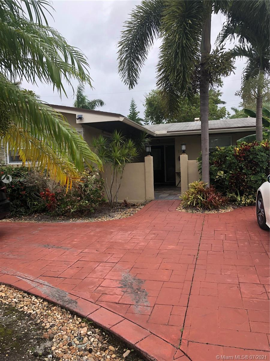 1102 N 13th Ave  For Sale A11071575, FL