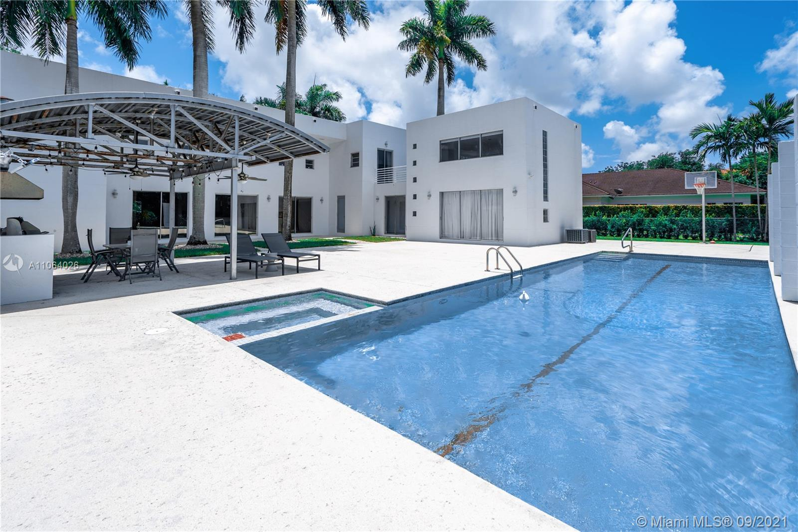 12624 SW 77th Ave  For Sale A11064026, FL