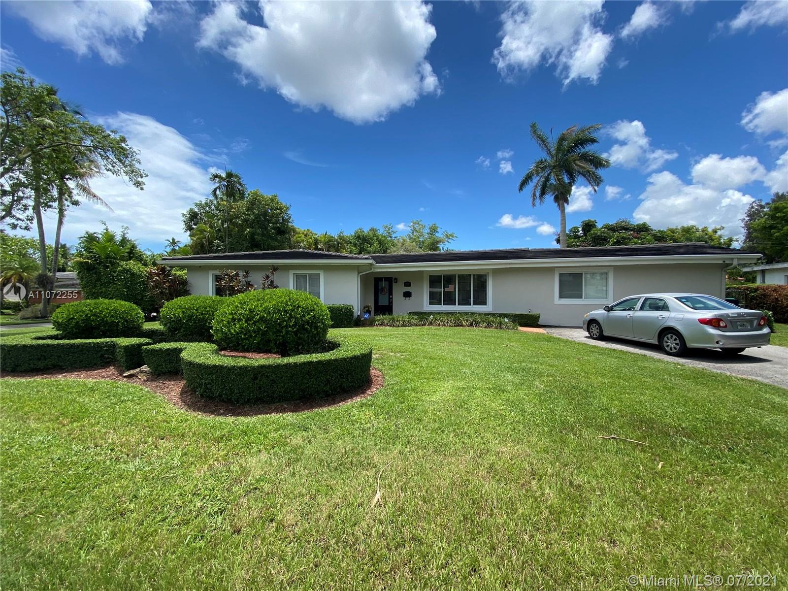 7310 SW 60th St  For Sale A11072255, FL