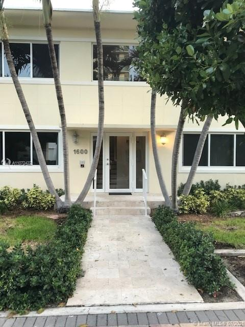 1600  Bay Rd  For Sale A11072422, FL