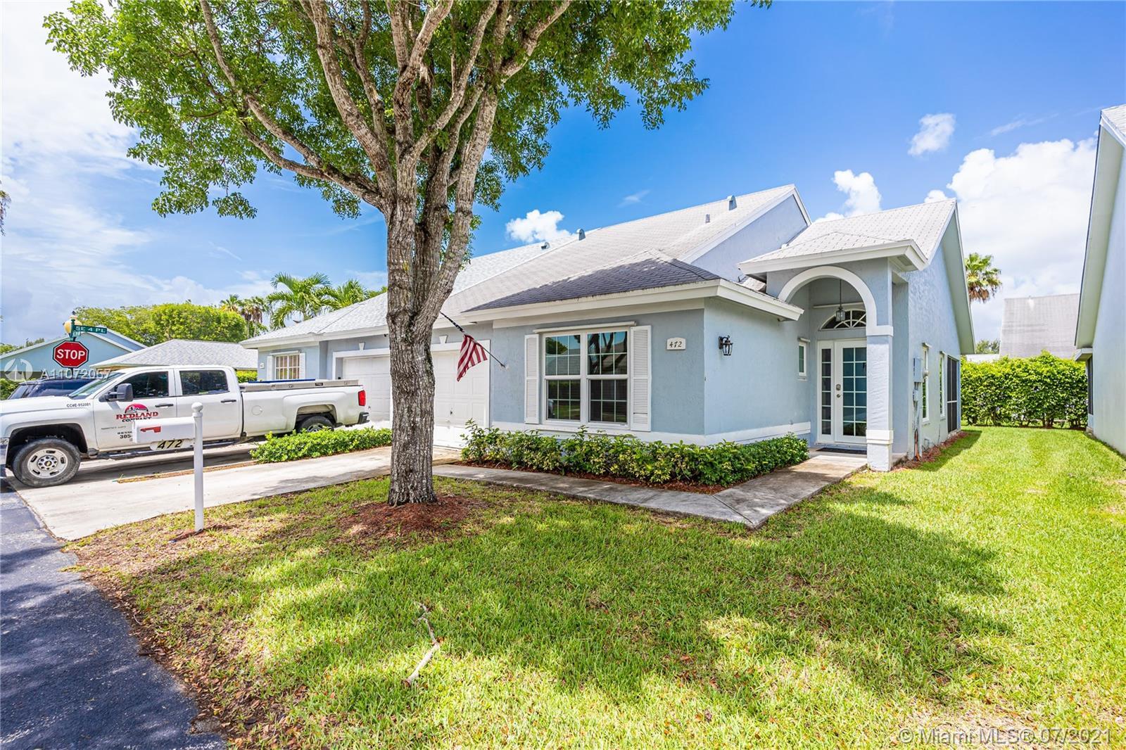 472 SE 20th Dr  For Sale A11072057, FL