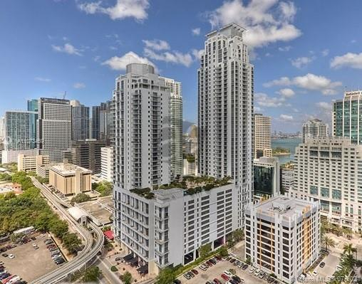BEAUTIFUL ONE BEDROOM +DEN+ 2 FULL BATHROOM AT THE 1060 BRICKELL CONDOMINIUM, LUXURY BUILDING. CONTEMPORARY KITCHEN HAS GRANITE COUNTER TOPS, STAINLESS STEEL APPLIANCES AND MARBLE/WOOD FLOORING THROUGHOUT. READY TO MOVE IN. ENJOY LEAVING IN BRICKELL AREA , NEAR BRICKELL CITY CENTER.WALKING DISTANCE TO RESTAURANTS, SHOPPING, ETC
