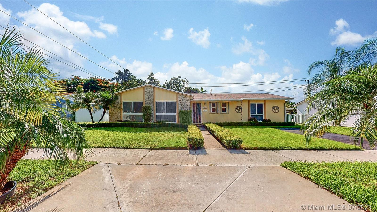 19625 SW 99th Ct  For Sale A11072844, FL