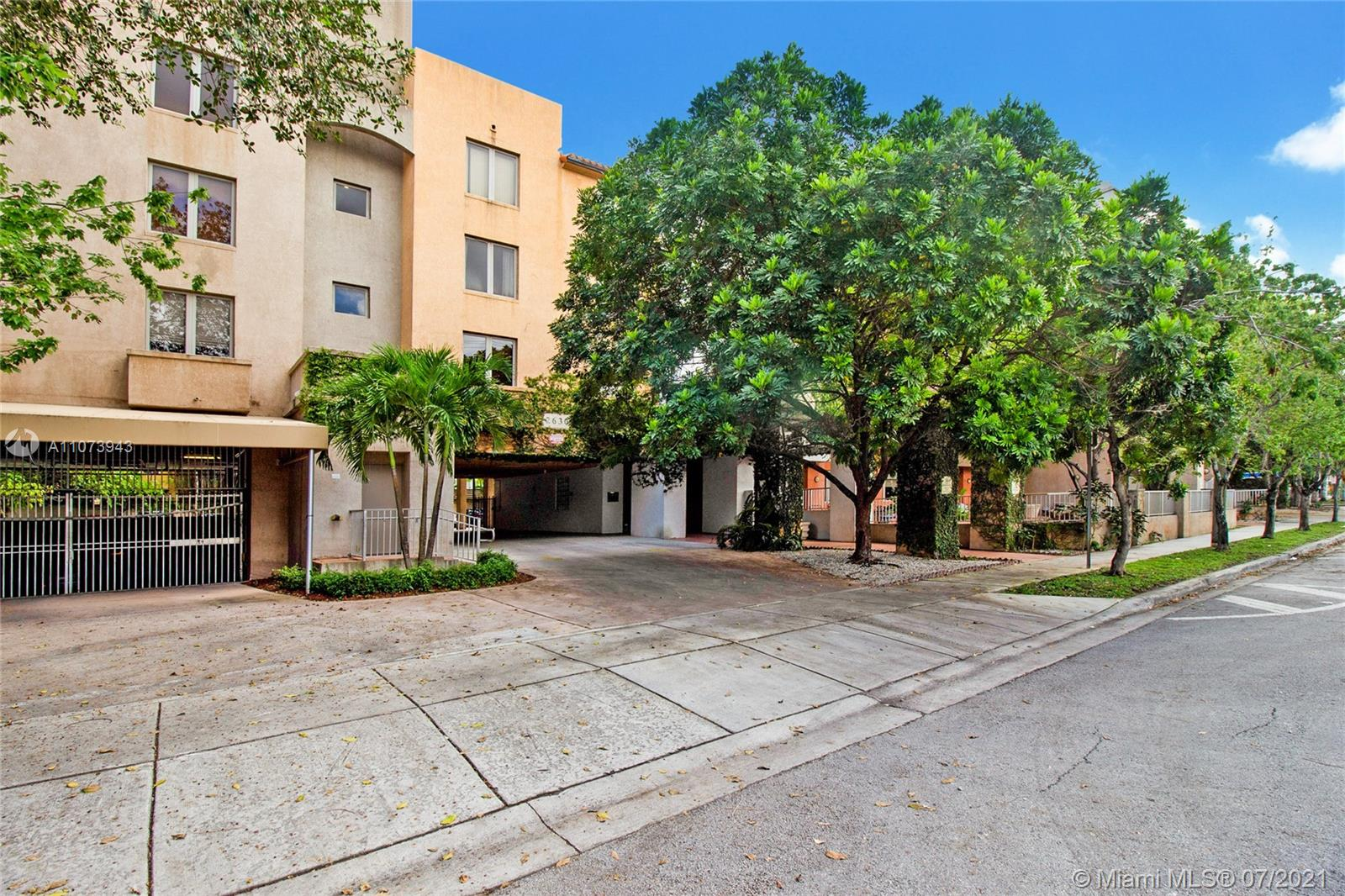 Fantastic location in Coconut Grove. Top Floor 1 bedroom apartment. Bamboo wood floors, lots of natural light. Impact windows, move-in condition. Extra large storage room bonus located across the unit in the hallway. One underground parking space and guest parking. Great boutique building with a gym. Proximity to parks, and easy access to I-95, airport, Coral Gables, and Brickell.
