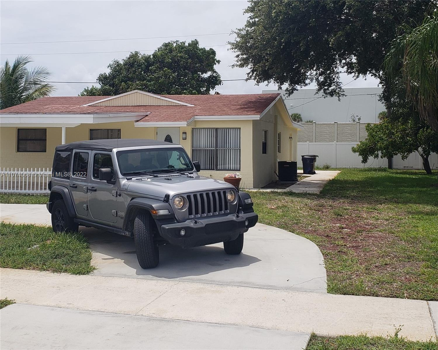 """Location, Location  5 minutes away from the beach no association, no maintenance, and no rental restrictions. This property can also be:  """" Rent-to-own """" terms and conditions are negotiable."""