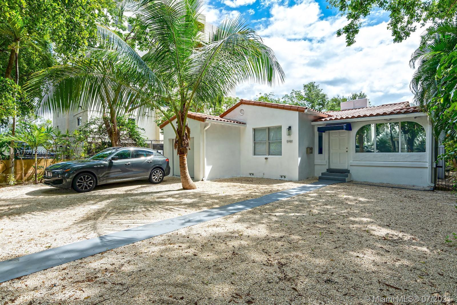 5981 NE 6th Ave  For Sale A11072318, FL