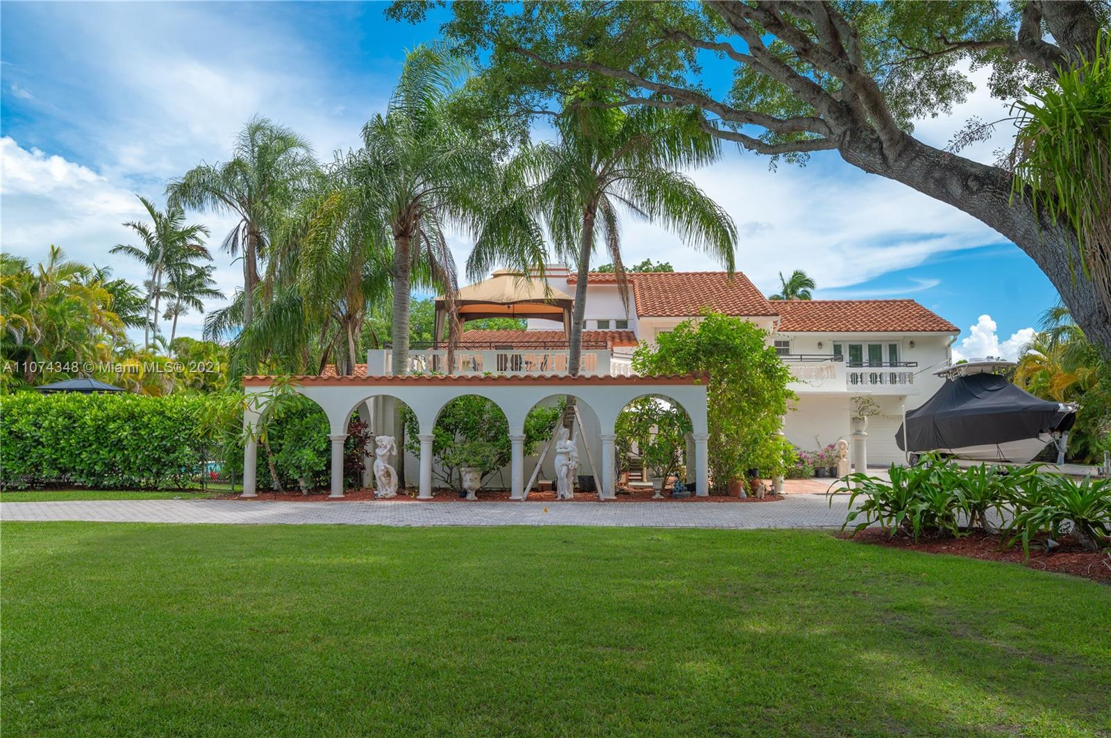8250 SW 187th St  For Sale A11074348, FL