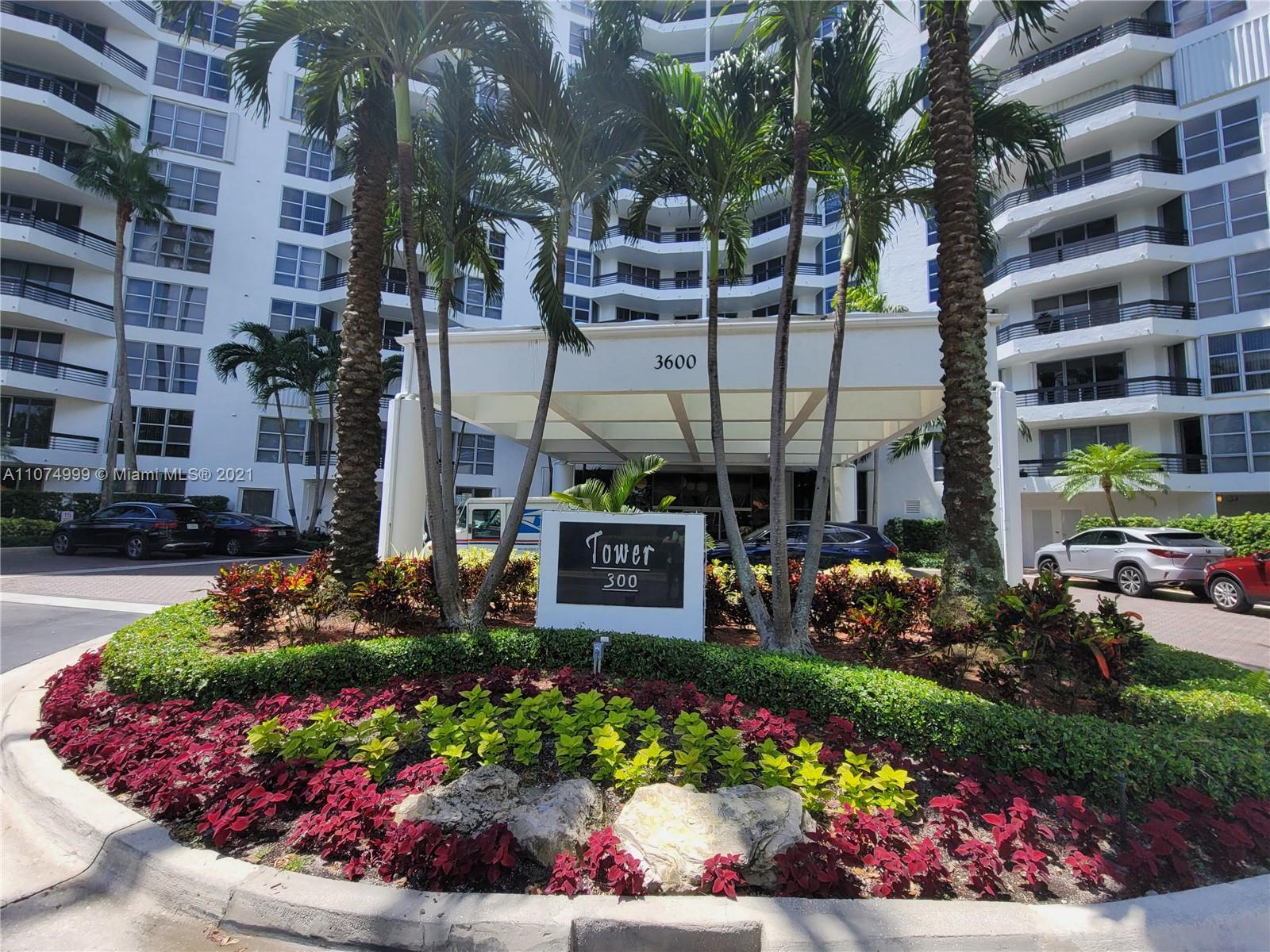 Photo of 3600 Mystic Pointe Dr #606