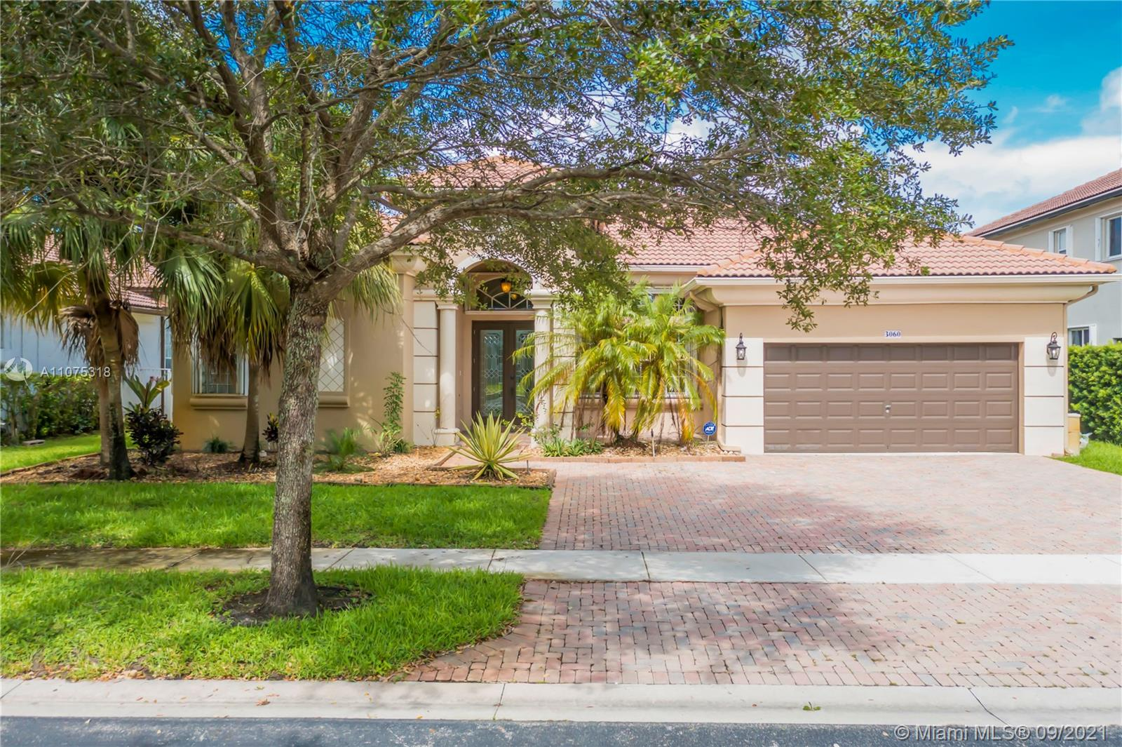 3060 SW 195th Ter  For Sale A11075318, FL