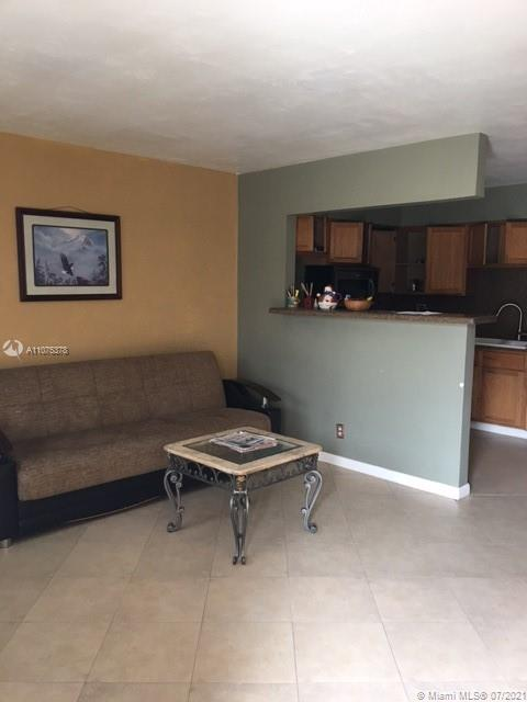 1825 N 17th Ct #4 For Sale A11075378, FL