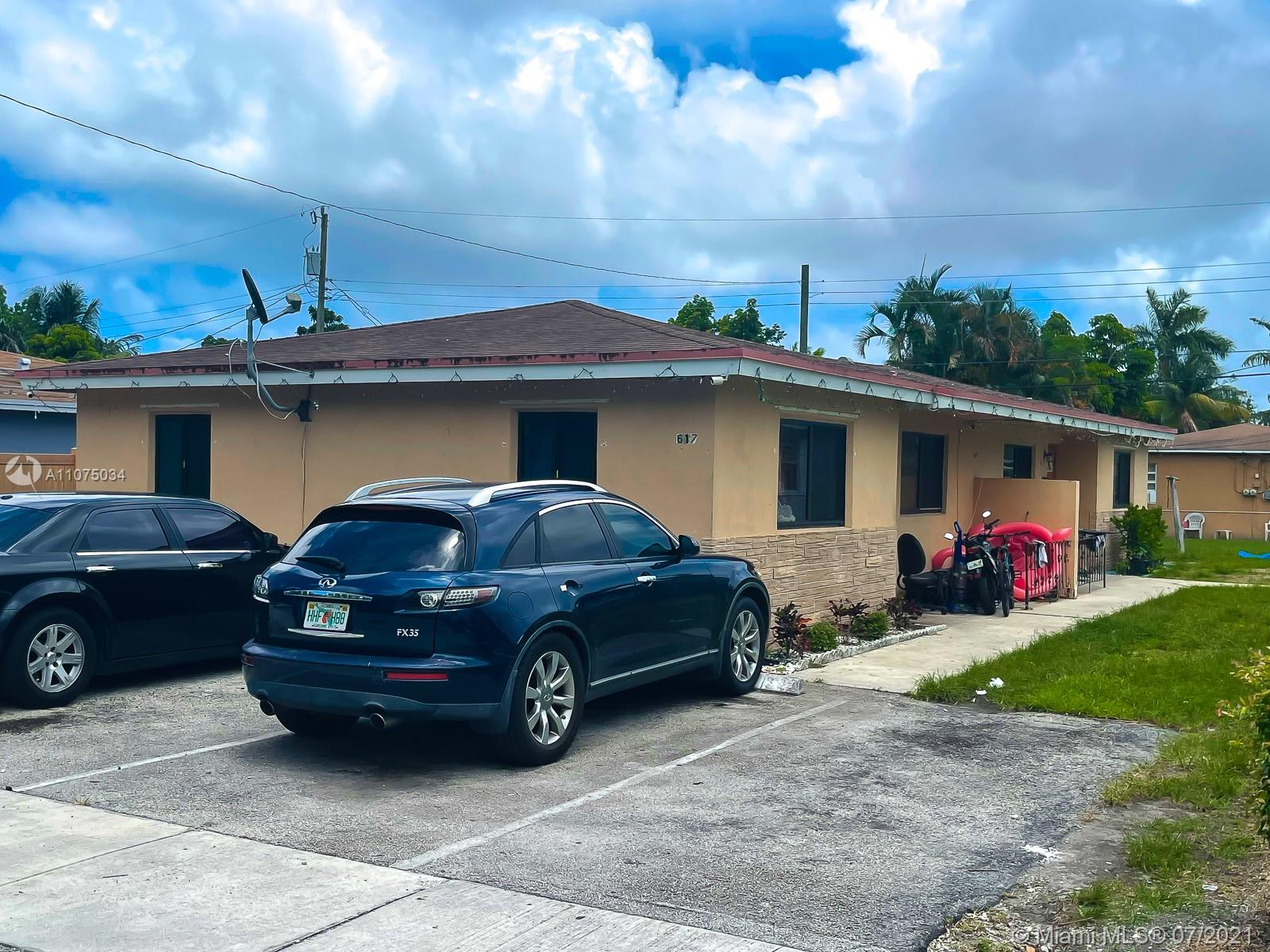 617 SW 3rd St  For Sale A11075034, FL