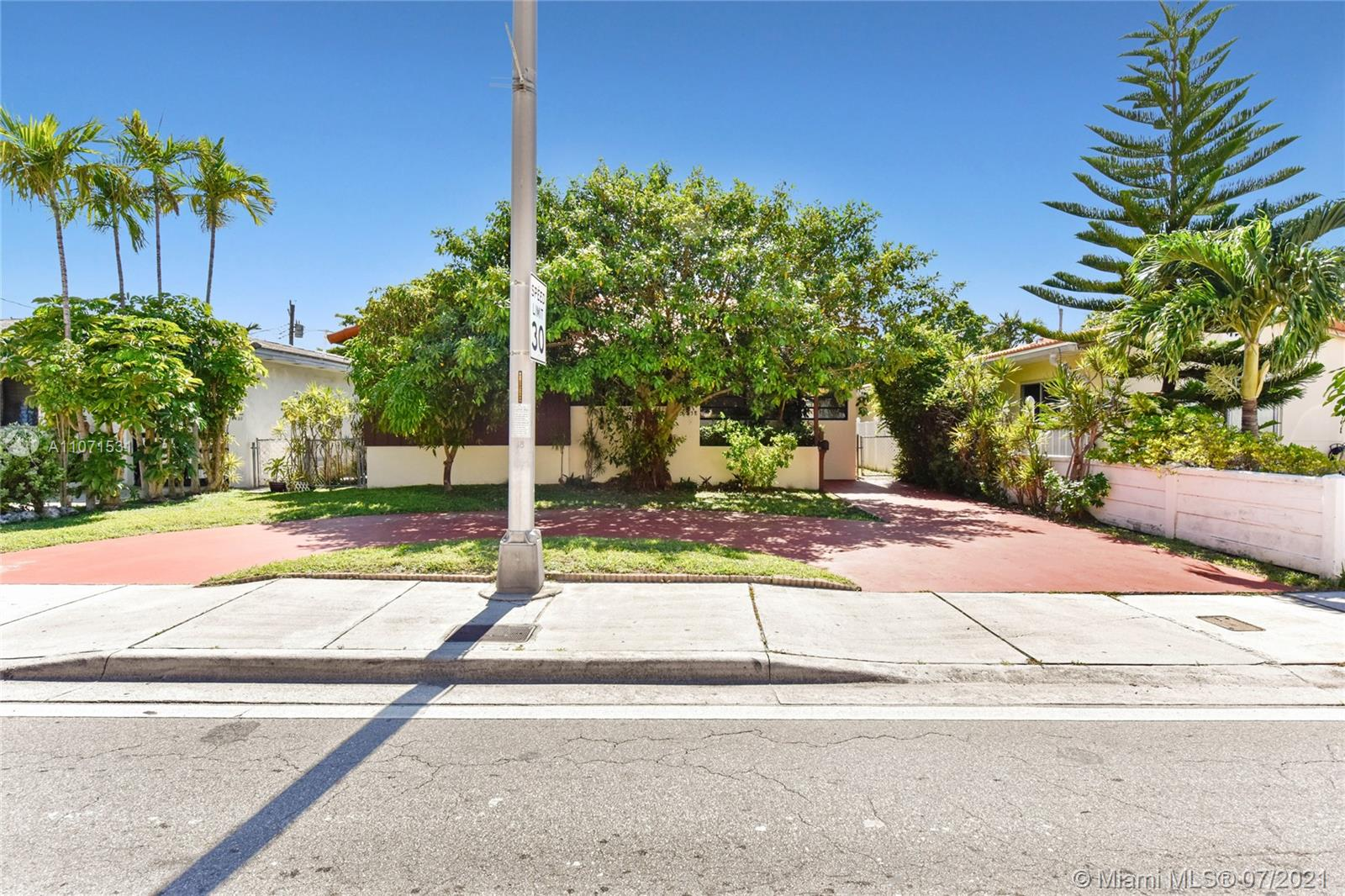 8858  Harding Ave  For Sale A11071531, FL