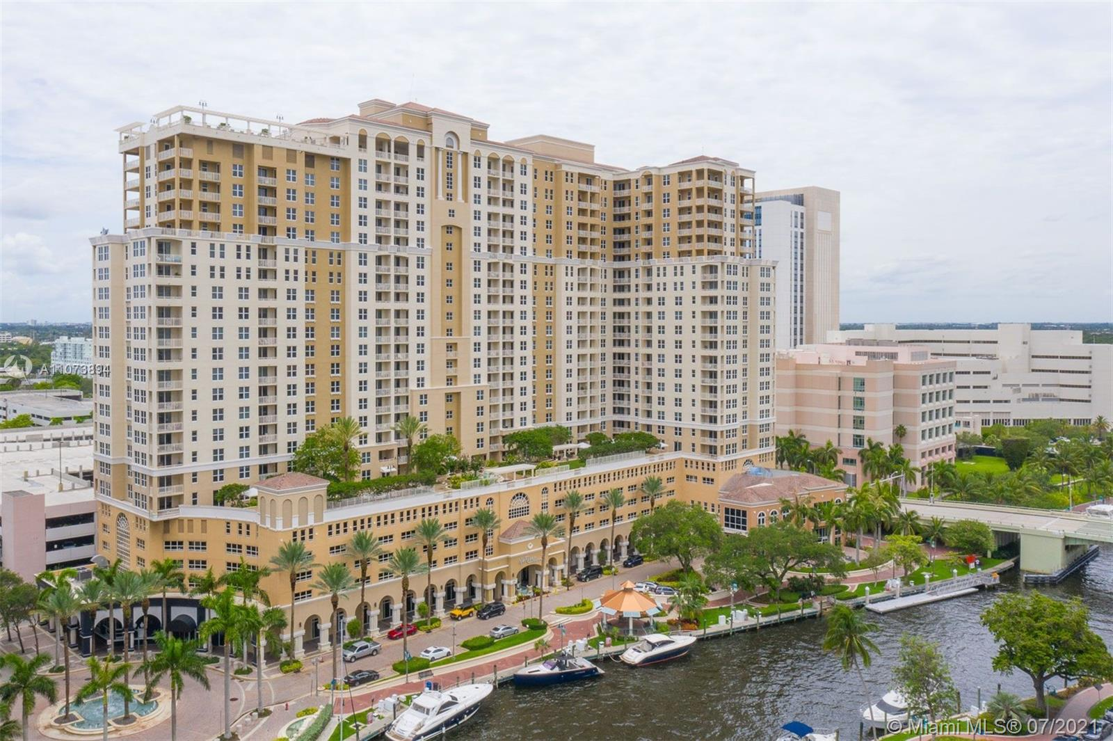 Fully furnished 2/2 split floor plan with 5 Star amenities in the heart of Downtown Fort Lauderdale. Roof top pool, business center and 2 story fitness center. Walking distance to Las Olas restaurants and shops. No utilities included.